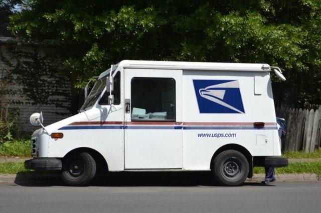 Wysyłasz dużo paczek? Sprawdź, jak wydatnie zmniejszyć koszty!