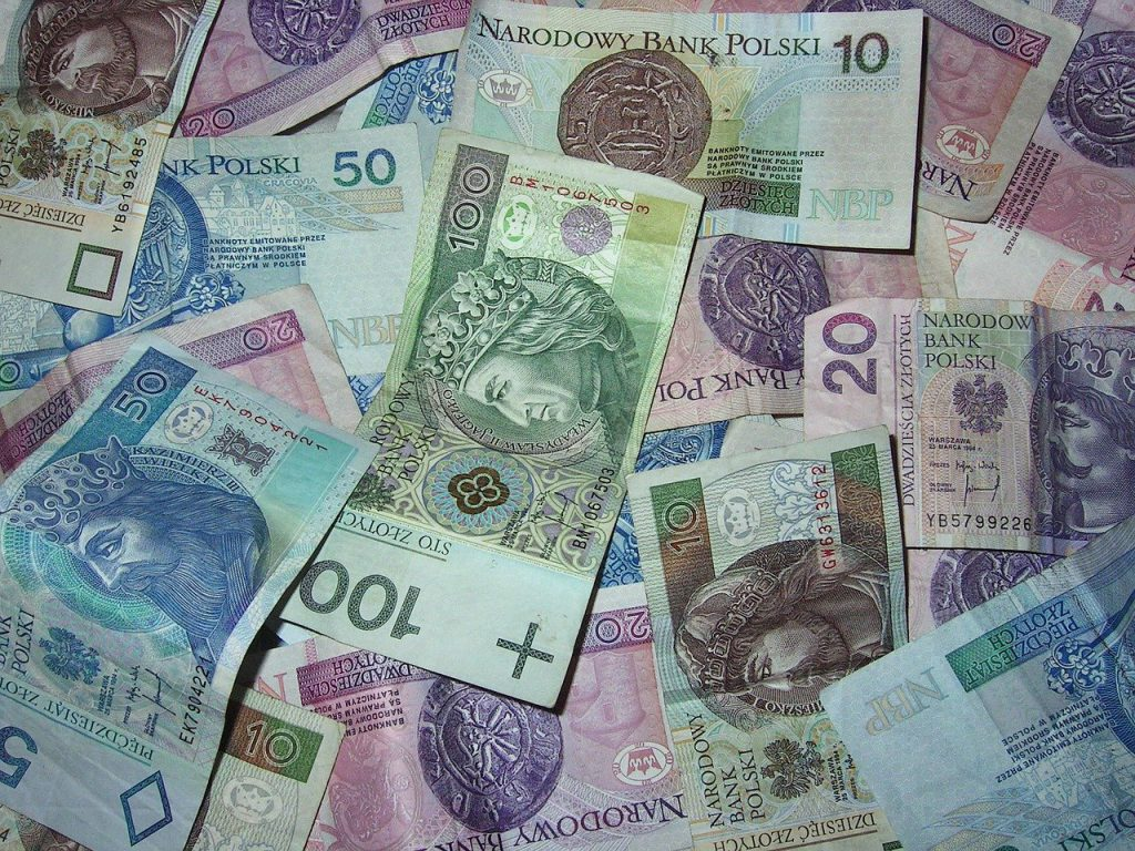 banknoty z pożyczki bez BIK